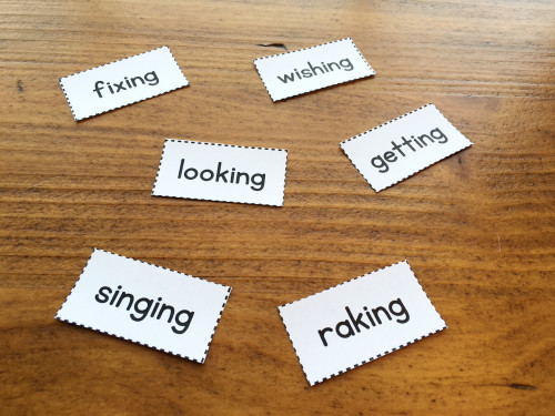 To get students thinking about inflected endings (like -ing), have them read a set of word cards that all have this ending. Place them on the table and have kids talk about what they notice. You can also have them highlight the endings and then go find words in a book that have the same ending! Read the post for more free phonics ideas and activities!