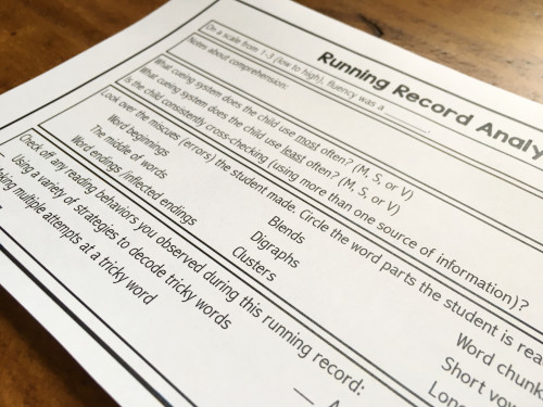 Get a variety of running record forms and checklists for beginning readers for FREE!